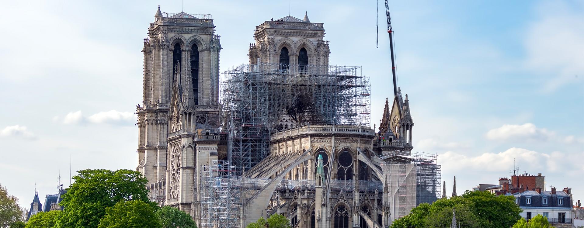 Notre-Dame, joyau gothique de Paris / C1-C2