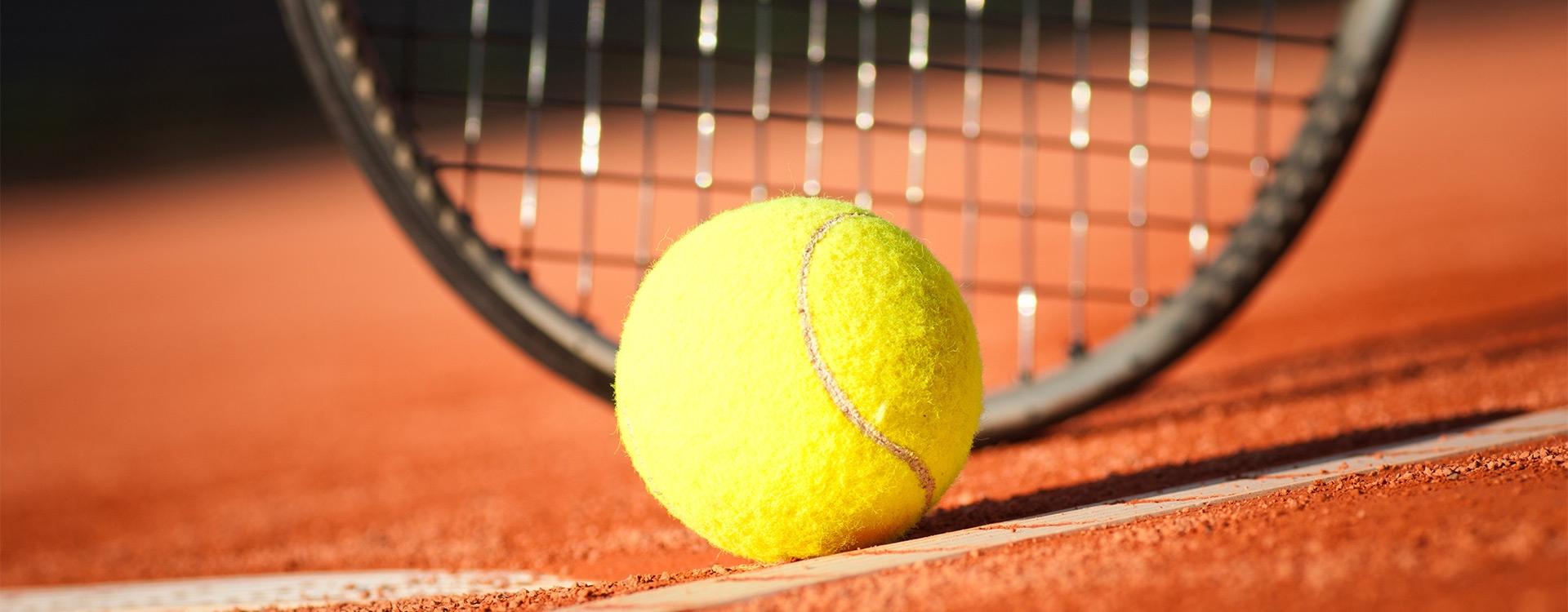 Roland-Garros, le tennis à la française / B2-C1